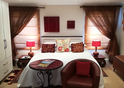 Room - Laugh - King Size Bed